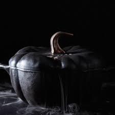 STAUB Cast Iron Pumpkin Cocotte Black Matte 3.5-quart