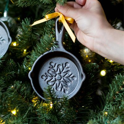 Lodge Mini Snowflake Cast Iron Skillet